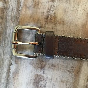 Accessories - brown belt